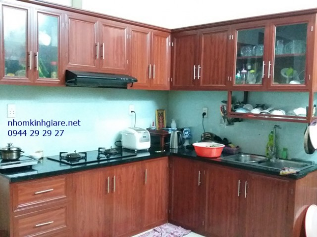 Tủ Bếp Nhôm Kính Vận Gỗ